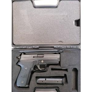 Polavtomatska pištola SIG SAUER P229